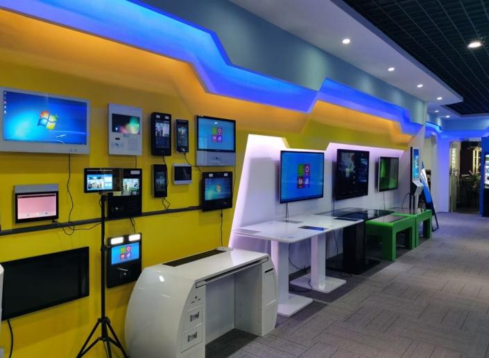 lcd media displays